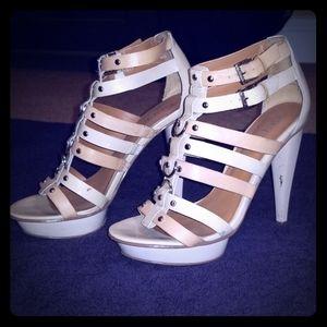 Super cute Guess shoes 😍